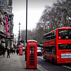 The-Pitfalls-Of-Traveling-Around-UK-On-Public-Transport